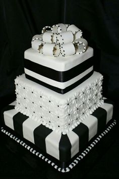 95 Stunning Black And White Wedding Cakes Black and white colors scheme continues to be the most elegant one. We've already told you about black and white table settings, and now – let them eat cake! Black White Cakes, Black And White Wedding Cake, White Wedding Cakes, Beautiful Wedding Cakes, Gorgeous Cakes, Pretty Cakes, Cute Cakes, Amazing Cakes, Elegant Wedding
