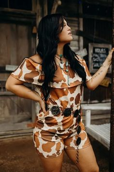 Home Folk's latest curated collection is the perfect mixture of western and boho inspired clothing for anywhere the open road might take you. From graphic tees and shorts, to flares and rompers, these looks will ensure you look good for every stop on the way!