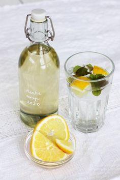 Mentaszörp házilag | A napfény illata Barware, Mint, Bar Accessories, Drinkware