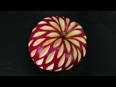 How to Carve a Christmas Apple Design by Mutita, YouTube #Apple_Carving