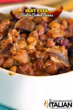 Every Bostonian knows the best recipes hail from the New England city Jeder Bostoner kennt die. Baked Bean Recipes, Bacon Recipes, Side Recipes, Cooking Recipes, Crockpot Recipes, Chicken Recipes, Baked Beans With Bacon, Boston Baked Beans, Vegetable Side Dishes