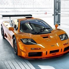 The McLaren F1 - The Original Speedster