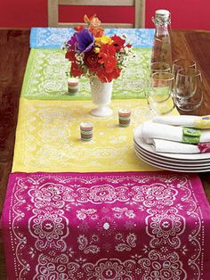 Bandana table runner - I absolutely love how this looks, for a fun summer table accent!