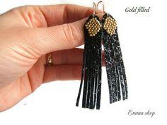 Boucles d'Oreilles Femme avec Tissage en Perles et Franges Micro-Paillettes ( Toile Glitter) Doré et Noir : Boucles d'oreille par emma-shop