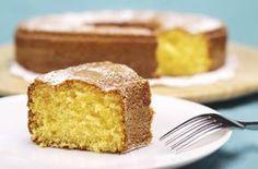 Oggi vi propongo questo dolce semplice e leggerissimo: il ciambellone al limone senza uova, latte e burro, ottimo per gli intolleranti al lattosio e alle uova.