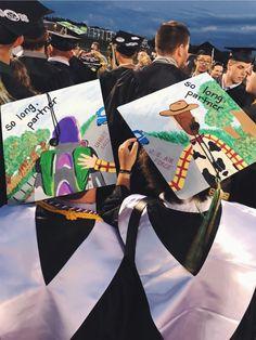 10 Graduation Cap Ideas That You Should Definitely Replicate For Your Graduation – Funny Graduation Caps, Graduation Cap Designs, Graduation Cap Decoration, Grad Cap, High School Graduation, Graduation Pictures, College Graduation, Graduation Hats, Grad Pics
