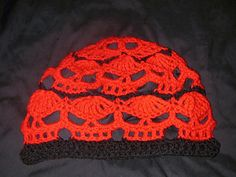 Ravelry: Wikked Skull Cap pattern by Spider Mambo Crochet Winter Hats, Crochet Beanie, Knit Crochet, Crocheted Hats, Crochet Skull Patterns, Knitting Patterns, Crochet Crafts, Crochet Projects, Halloween Crochet
