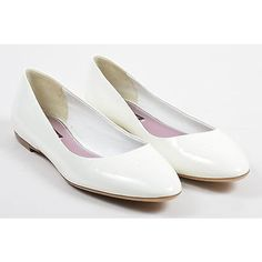 Pre-Owned Louis Vuitton Nwob White Patent Leather Embossed Ballet... (£155) ❤ liked on Polyvore featuring shoes, flats, white, patent ballet flats, white ballet shoes, white ballet flats, ballet pumps and ballet flat shoes