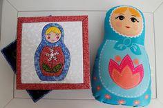 caixa-patchwork-embutido-matrioska-caixa-azul