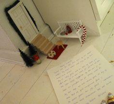Nissedør og nissedrillerier til jul - Willowlounge.dk  Vi havde en lille nisse, der boede hos os hele december måned sidste år. Han har boet her gennem et par år nu, og vi elsker det! Noget af det, jeg elsker mest er, at Laura skriver breve med ham. Herunder kan du læse ét af brevene til ham – og svaret tilbage til Laura.