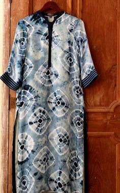 Tunic Designs, Salwar Designs, Kurta Designs Women, Latest African Fashion Dresses, African Print Fashion, Indian Fashion, Designer Punjabi Suits, Indian Designer Outfits, Kurta Patterns