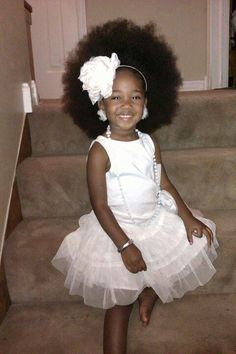 Sooo precious...teaching our little ones to love and embrace their hair from the start!