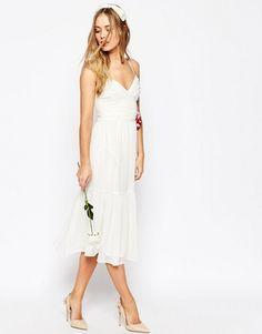 Une jolie robe de mariée à petit prix ! | http://lapprentiemariee.com/robe-de-mariee-petit-prix/
