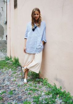 Parisienne: A Casual Way To Style A Blue Shirt