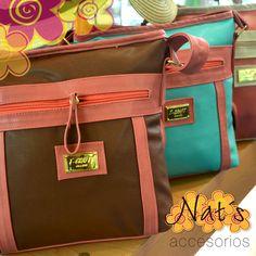 """Las bolsas """"Bandoleras"""" son un complemento que se elige muchas veces por su comodidad ya que permite más movilidad que un bolso convencional, por su correa ajustable que te permite colocártela de varias formas. Hoy en día ha evolucionado de tal manera, que nos encontramos diseños de todo tipo que se pueden utilizar tanto en ocasiones más informales como en otras más especiales. ¿A poco no son súper prácticas? ¿Te gustan? #NatsAccesorios #Tehuacan #Estilo #Trendy   Nat´s"""