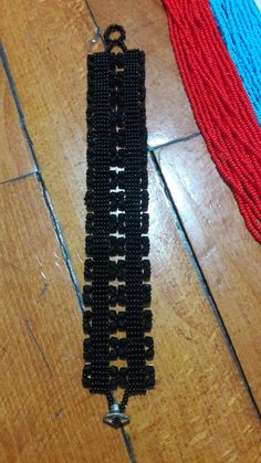 Elde dokuma kum boncuk bileklik #bracelet #bead Jewelry Patterns, Film, Model, Loom, Movie, Film Stock, Scale Model, Cinema