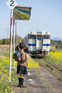 Commuting to school by Tiffa  ~ Everyday Japan