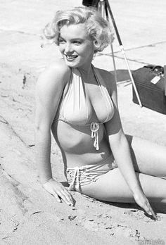 Marilyn. Photo by Earl Theisen, 1951.