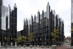 PPG Place / John Burgee Architects with Philip Johnson