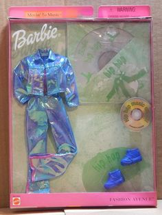 Barbie Doll Fashion Avenue Blues Styles Denim Jeans Red Top Purse Shoes 2001 MIB for sale online Barbie 2000, Barbie Sets, Barbie Dolls Diy, Barbie Fashionista Dolls, Doll Clothes Barbie, Vintage Barbie Clothes, Ag Dolls, Girl Dolls, Little Girl Toys