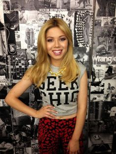 You know why I like Jeannette mccurdy because she's pretty and awesome decides my family