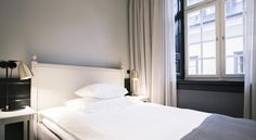 2015년 1월에 개장한 Hotel Kungsträdgården은 스톡홀름 중심부의 개조된 18세기 건물에 자리잡고 있습니다. 왕의 정원 옆에 위치한 호텔은 금융 및 쇼핑 지구에서 도보 거리에 있습니다. 스톡홀름 중앙역에서 호텔에서 1km 떨어져 있습니다.