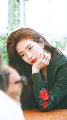Bae Suzy Chinese Name in 2019 Korean Actresses, Korean Actors, Korean Beauty, Asian Beauty, Miss A Suzy, Bae Suzy, Suzy Bae Lee Min Ho, Girl Photography Poses, Korean Celebrities