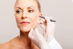 Conheça a Bichectomia, cirurgia plásticas para afinar o rosto. Veja as fotos de antes e depois de famosas que fizeram esta cirurgia e confira os resultados!