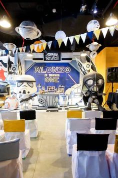 All Master Jedi's please stand by: Kara's Party Ideas presents Alonso's Star Wars Birthday Party has amazing details and inspiration for a bash of your own! Star Wars Birthday, Boy First Birthday, Boy Birthday Parties, Star Wars Classroom, Party Themes For Boys, Star Wars Baby, World Star, Superhero Party, Starwars