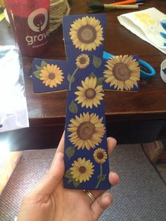 Smaller blue sunflower cross