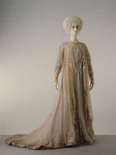 Tea Gown 1900 The Victoria  Albert Museum