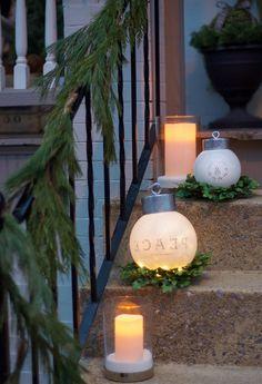 die besten 25 weihnachtsbeleuchtung au en ideen auf pinterest b ro weihnachtsdekorationen. Black Bedroom Furniture Sets. Home Design Ideas
