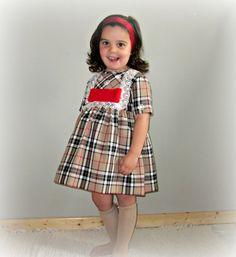 Toddler/girl classic dress.Special por Moniquesthingsshop en Etsy
