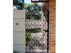 grades de ferro em arabesco - Google Search Colonial, Sweet Home, Backyard, Outdoor Structures, Furniture, Home Decor, Gate, Hall Runner, Arabesque
