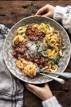 Cajun Delicacies Is A Lot More Than Just Yet Another Food Slow Cooker Vodka Bolognese Pasta Slow Cooker Recipes, Cooking Recipes, Healthy Recipes, Crockpot Recipes Pasta, Healthy Dishes, Healthy Meals, Easy Meals, Receitas Crockpot, Gula