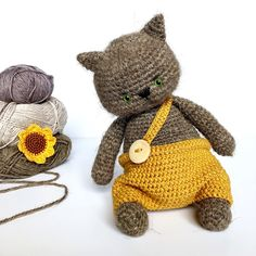 Small cat with joined legs | Crochet cat, Stuffed toys patterns ... | 236x236