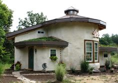 Beth Reese's 650 sq ft cob and strawbale home in West Virginia. Built by Sigi Koko.