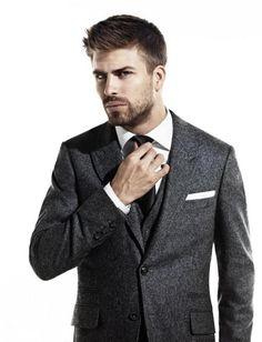 Gerard Pique in a suit...imma die