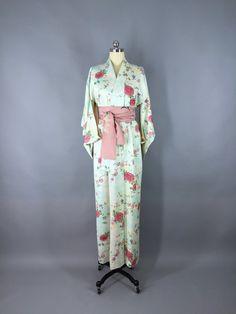 f8b758595d Vintage 1940s Silk Kimono Robe   1940s Wedding Kimono   40s Dressing Gown    Art Deco   Japanese Kimono Aqua Floral Print