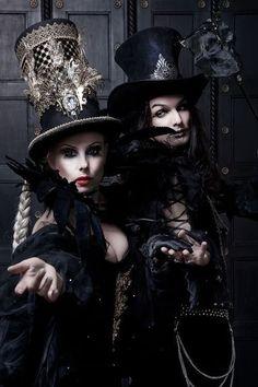 Resultado de imagem para gothic fashion