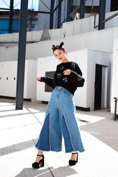 #moda #look #modamujer #modafemenina #denim #fashionblogger #spacebuns #Sweater #Trendy #Trend #AlasdeangelBlog