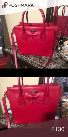 Kate Spade Tote with Bow Red tote with Zipper in brand new condition just a  small e38ce656448f5