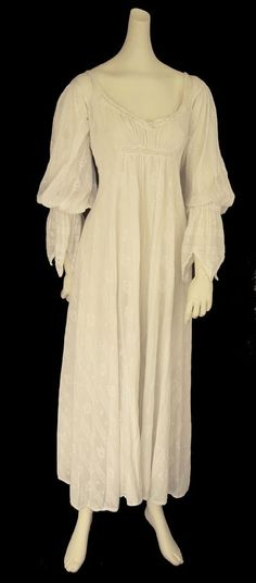medieval+nightgown | ... at the waist on the side panels. The Nightgown buttons down the back
