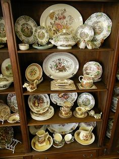 Nancy's Daily Dish: Peeking into The Vintage Abode + Giveaways! Dish Display, China Display, Plate Display, China Cabinet Redo, Pantry Shelving, Decorating Bookshelves, Antique Glassware, Plate Design, Hanging Pictures