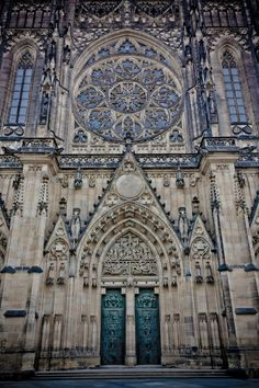 St. Vitus Cathedral - Prague, Czech Republic | Click to read more. Incredible Pictures