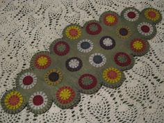Primitive Scalloped Edges Layered Fall/Autumn Penny Rug Table Decor Candle Mat  #NaivePrimitive #Seller