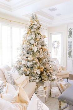 Oh Holy Night Christmas Home Tour - Randi Garrett Design