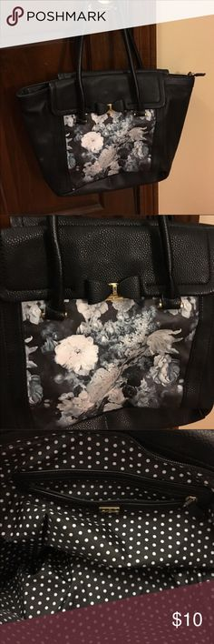 Black and floral handbag Adorable purse with plenty of space LULU Guinness Bags