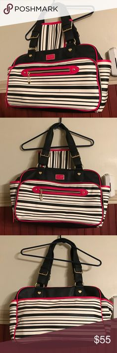 """Betsy Johnson Diaper Bag Betsey Johnson Diaper Bag Weekender Travel Tote Baby Be Mine Striped Black Pink * faux leather * measures 16"""" x 12"""" x 6"""" *Like New* bag used less than a week for a work and changing pad was never used. Betsey Johnson Bags Baby Bags"""