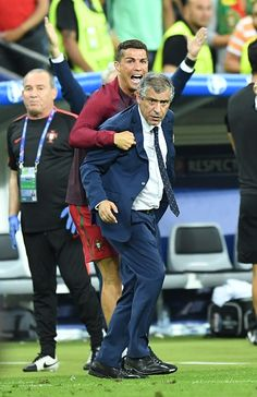 Portugal's Cristiano Ronaldo and head coach of Portugal Fernando Santos are seen during the Euro 2016 final football match between Portugal and. Portugal Fc, Portugal Euro 2016, Portugal Soccer, Portugal National Football Team, Cristiano Ronaldo 7, Good Soccer Players, Soccer Stars, World Football, Coach